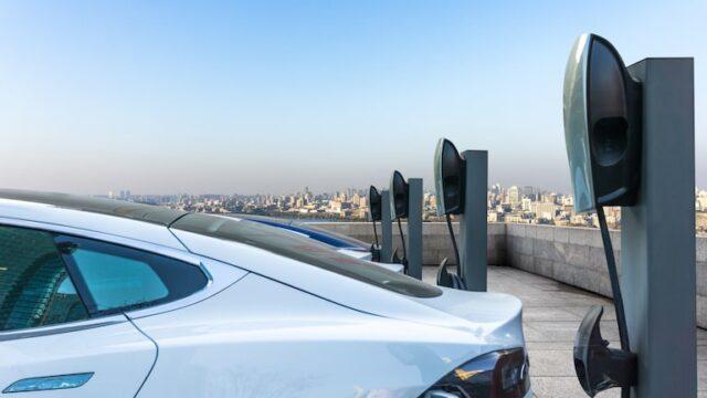 電気自動車やプラグインハイブリッド自動車の走行距離を比較